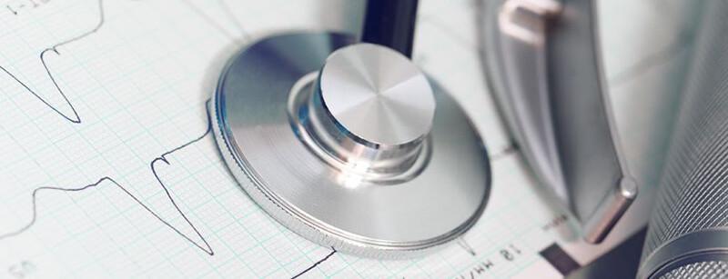 Welche Untersuchungen sind vor einer intravenösen Sedierung und Vollnarkose nötig?