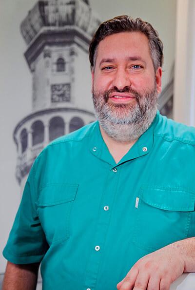 Dr. László Mozsolits